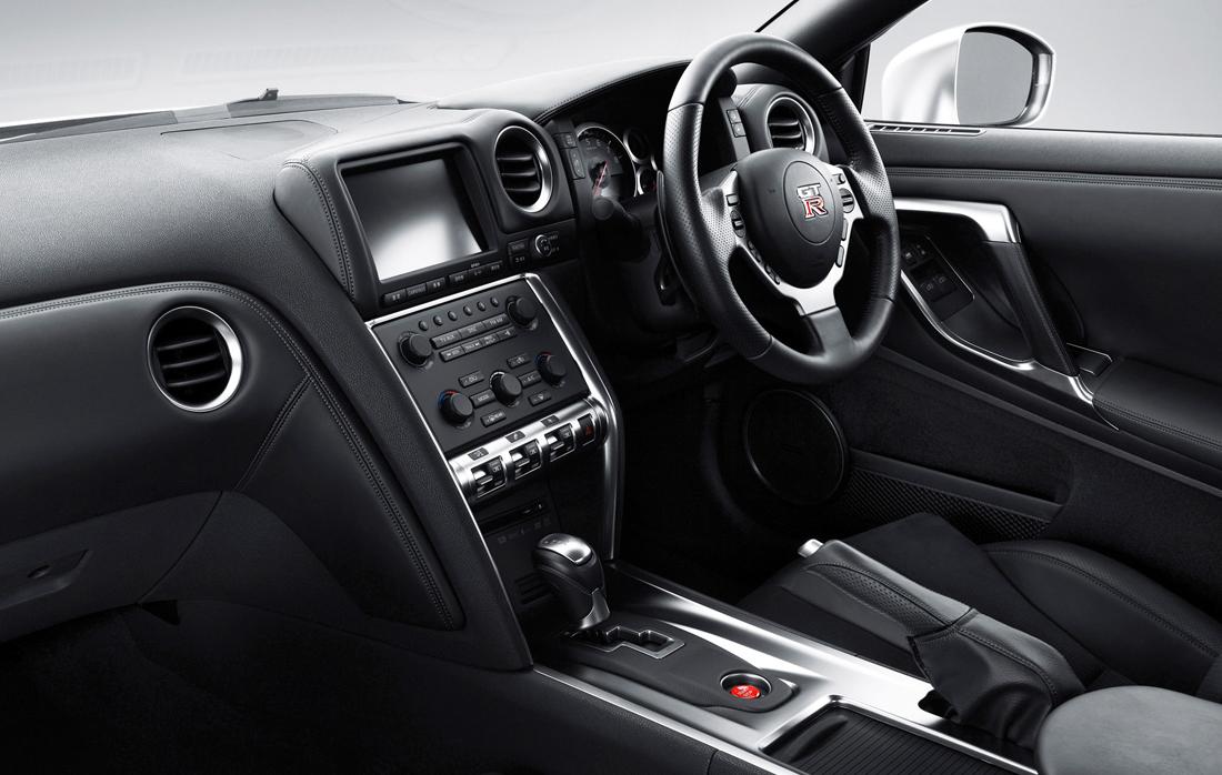 Nissan GTR R35 Interior